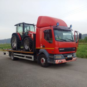 Transport tractor agricol