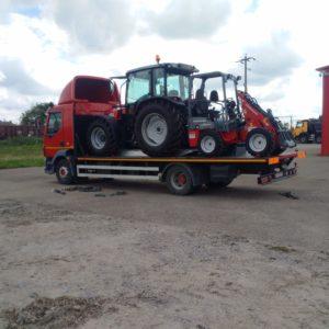 Transport tractor